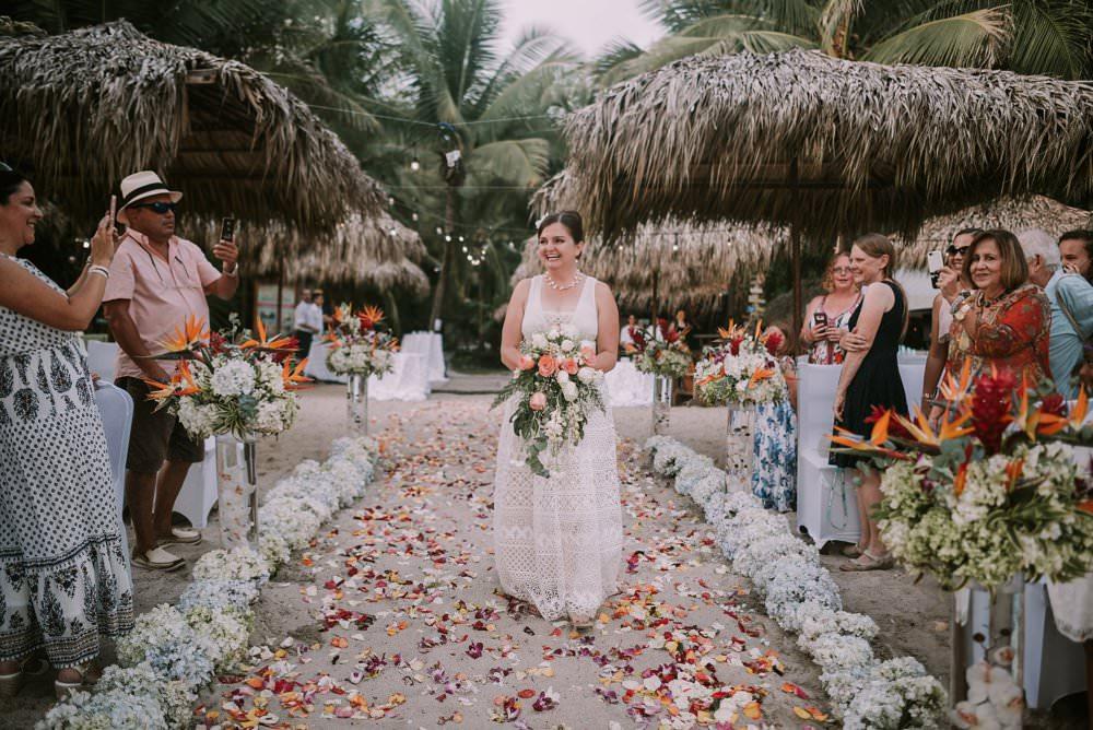 Gaby_Ricardo_destination_wedding_santa_teresa_0033.jpg